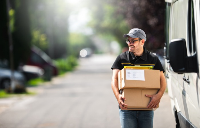 Professional Courier Services in Coconut Grove